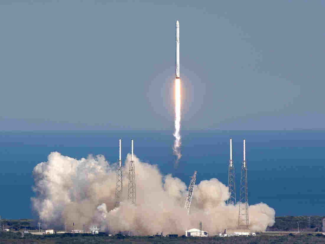 SpaceX Rocket Lands On A Ship At Sea Without Exploding For