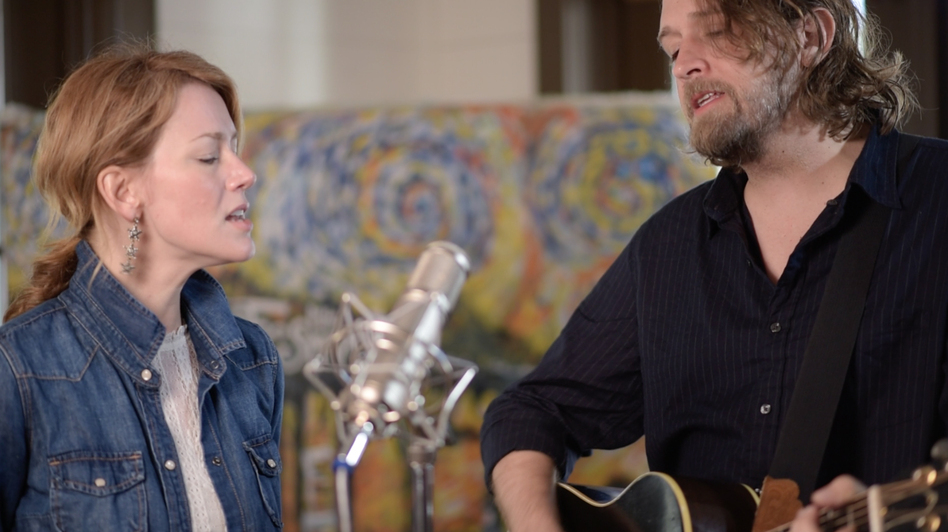 Hayes Carll and Allison Moorer perform live for Folk Alley. (Folk Alley)