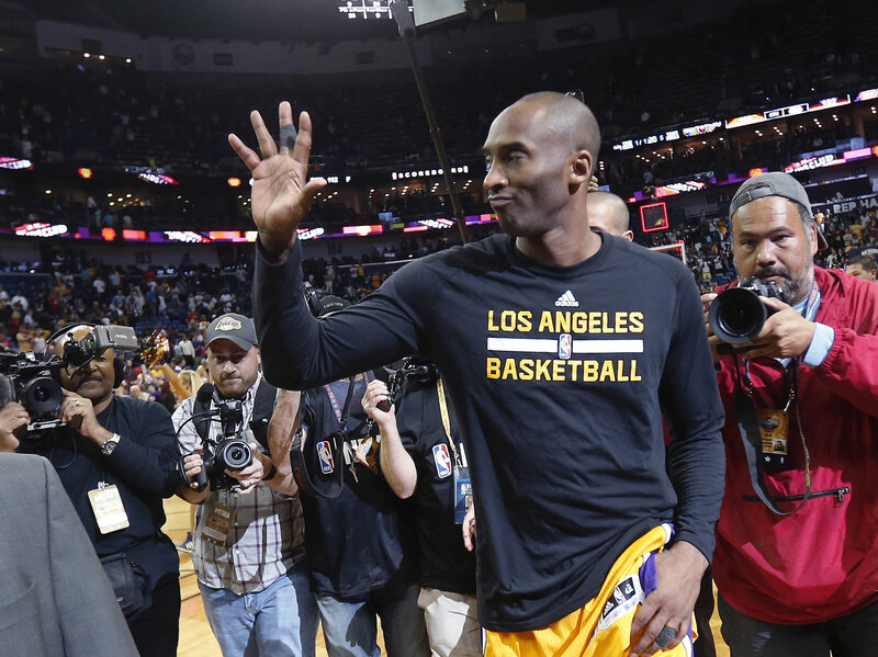 10a3b34cc2d Kobe Bryant Breaks Scoring Record In His Final NBA Game