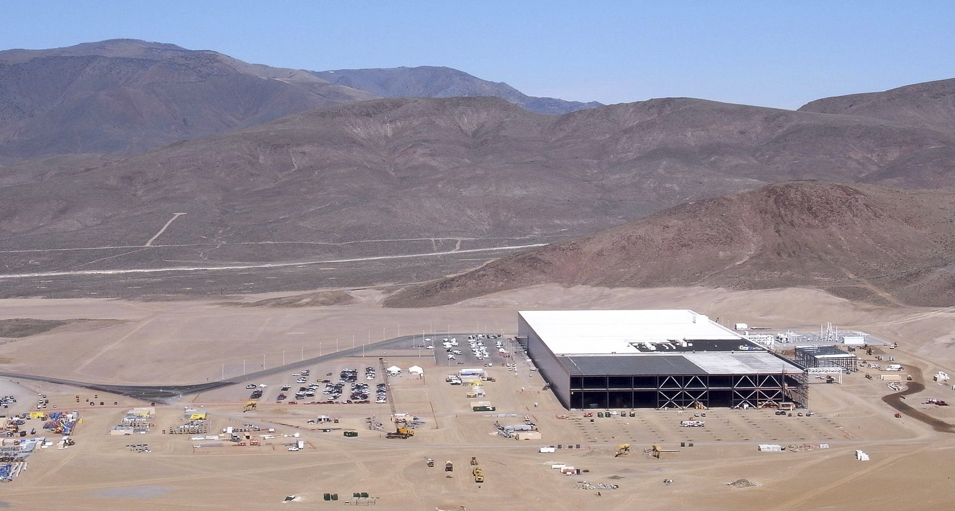 A Rare Look Inside The 'Gigafactory' Tesla Hopes Will Revolutionize Energy Use