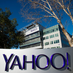 How long has yahoo been running on the enternet?
