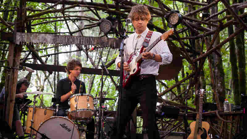 Kevin Morby performs live at Pickathon.
