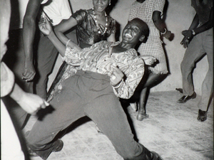Regardez Moi, 1962. Malick Sidibe loved photographing people caught up in a dance, from a Congolese rumba to the Twist.