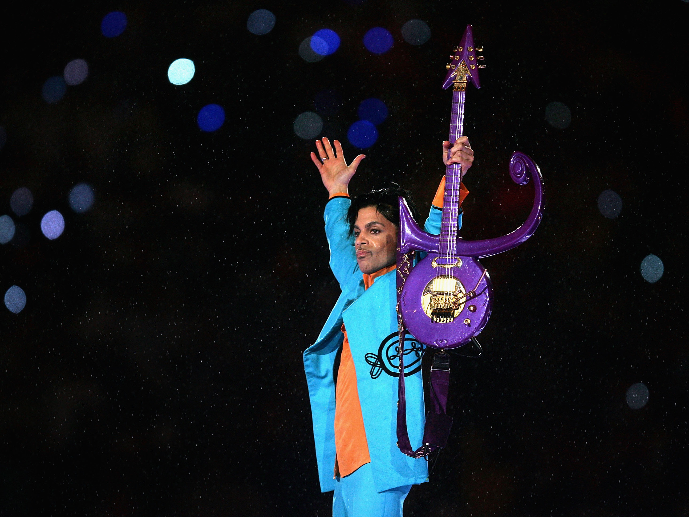 Pop superstar Prince dies at his Minnesota home at age 57