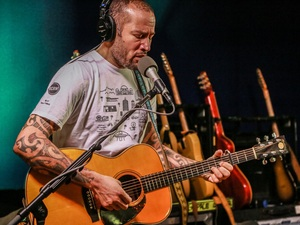 Ben Harper performs live on KCRW.