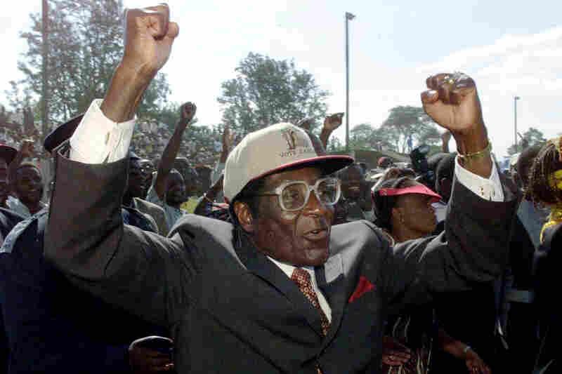 Westlake Legal Group robertmugabe03_slide-aa1947ef56e4c252105ab5eec6a534a4917830f1-s800-c15 Robert Mugabe, Veteran President Of Zimbabwe, Dead At 95