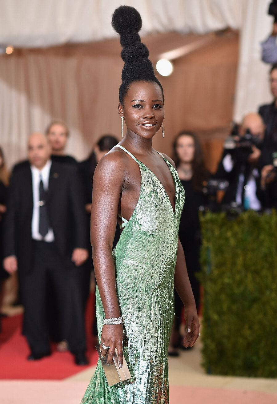 Lupita Nyong O Salutes Africa Not Whoville With Her Met Gala Hair