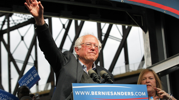 Democratic presidential candidate Bernie Sanders waves to the crowd after arriving at a campaign rally at the Big Four Lawn Park May 3, 2016 in Louisville, Kentucky. (Getty Images)