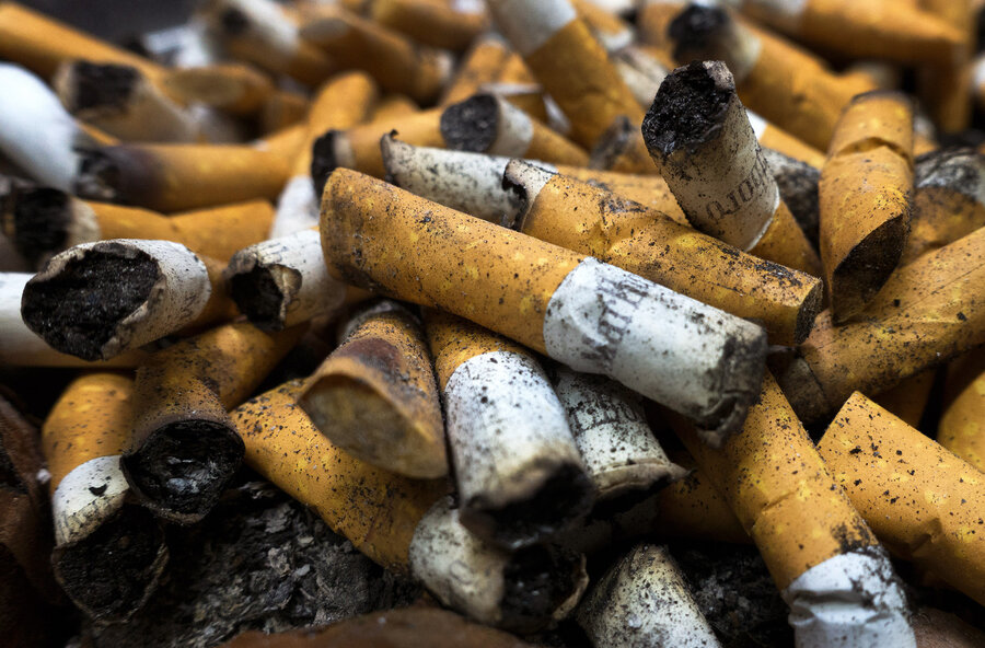 How much a pack of cigarettes Fortuna cost in London
