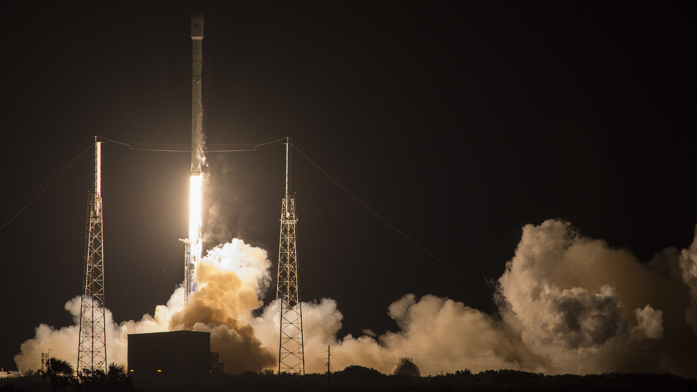 SpaceX Lands Falcon 9 On Floating Barge (Again) And Delivers