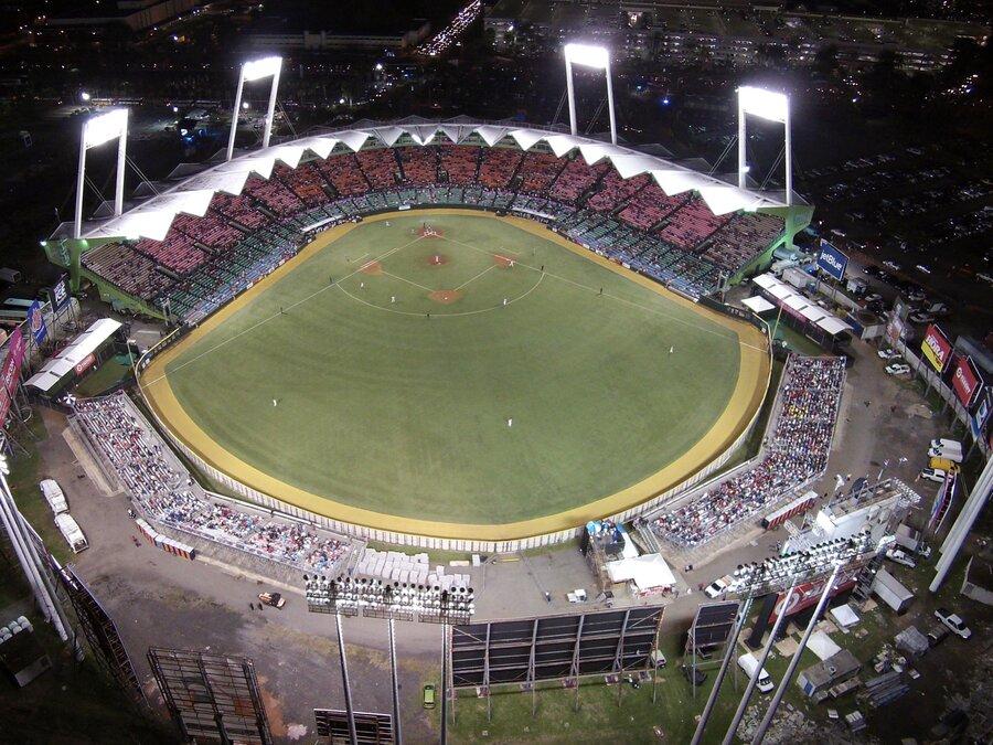 Hiram Bithorn Stadium - Wikipedia