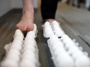 NPR's Joe Palca walks on eggs ... for science!