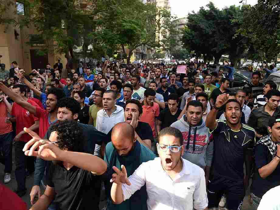 Egyptian protesters demonstrate in Cairo on April 25, 2016, against the handing over of two Red Sea islands to Saudi Arabia. The people sentenced are accused of participating in the protest.