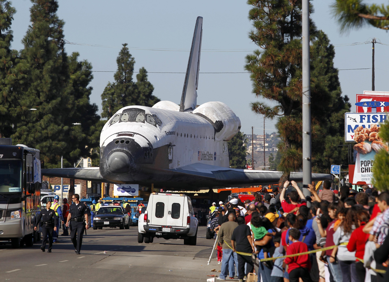 A 66,000 Pound Space Shuttle Fuel Tank Parades Through Streets Of LA