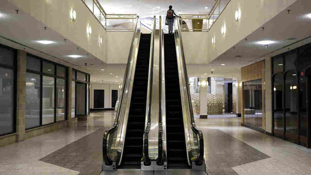 As Their Anchors Sink, Malls Try To Present Retail 'Experience'