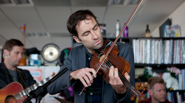 Tiny Desk Concert with Andrew Bird. (NPR)