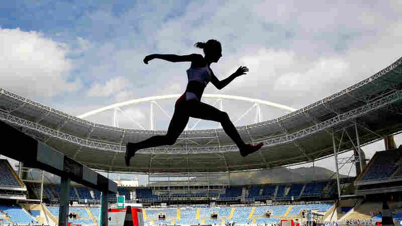 Zulema Arenas #548 of Peru competes in the women's 3000 meter steeplechase during the Ibero American Athletics Championships - Aquece Rio Test Event for the Rio 2016 Olympics at Olympic Stadium on May 14, 2016 in Rio de Janeiro.