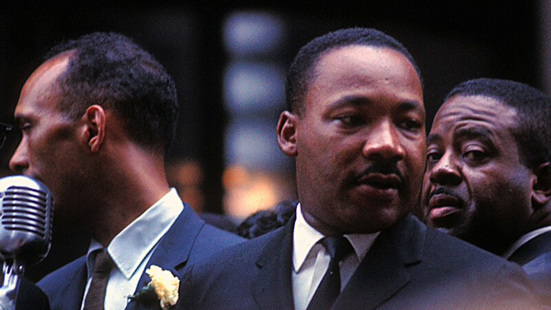 Martin Luther King Jr In Chicago See Rare Color Photographs Of The