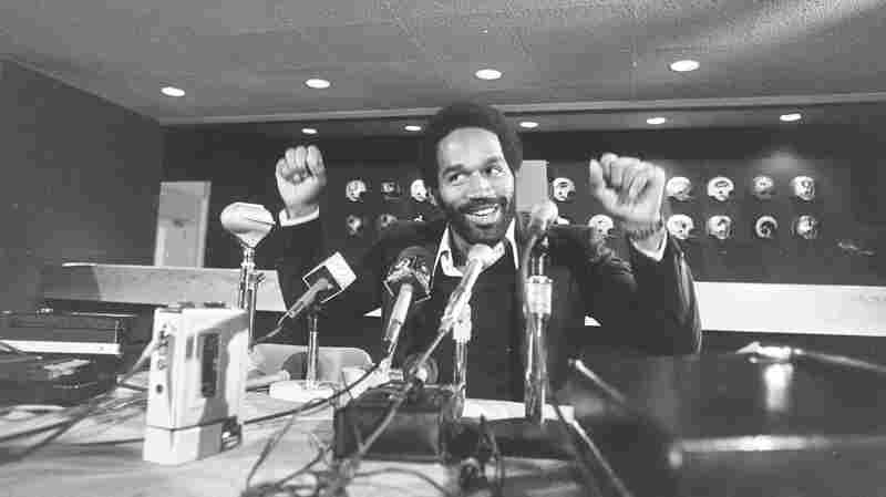 O.J. Simpson at the Buffalo Bills' Rich Stadium press conference circa 1975.