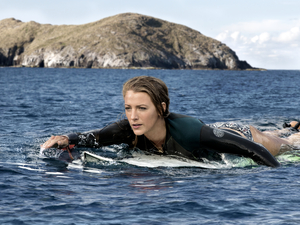 Nancy (Blake Lively) in The Shallows.
