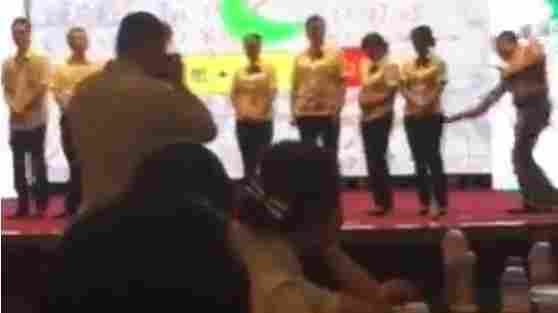 Video Of Chinese Bank Employees Being Spanked Prompts Suspensions