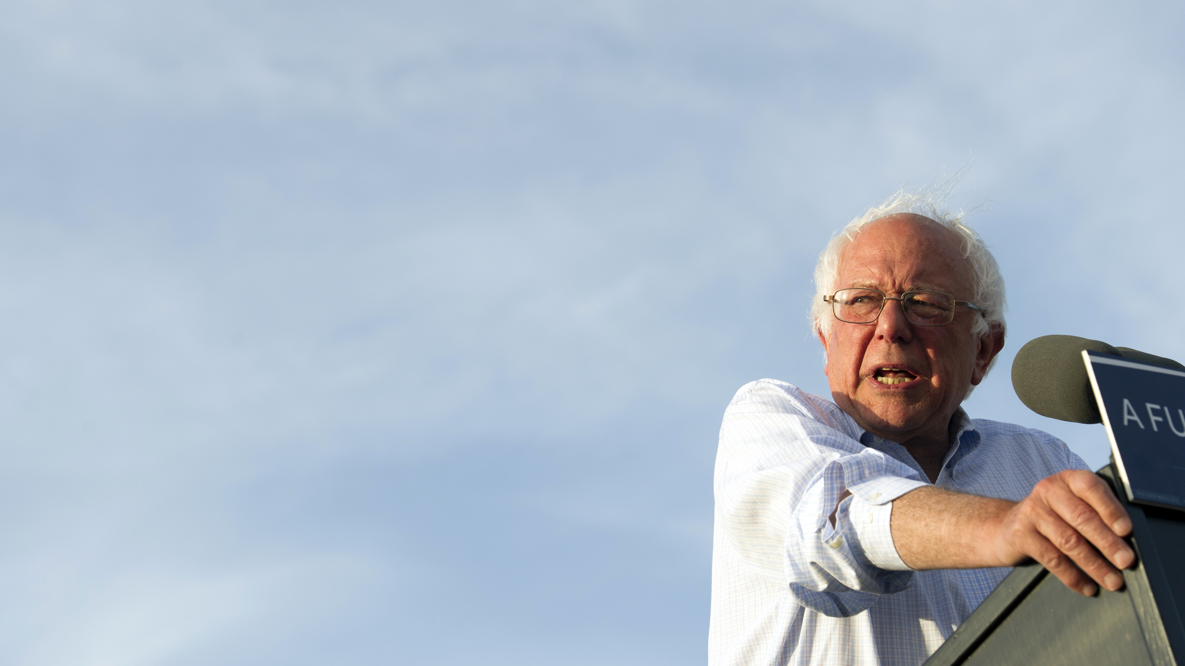 Sanders says he will vote for Clinton