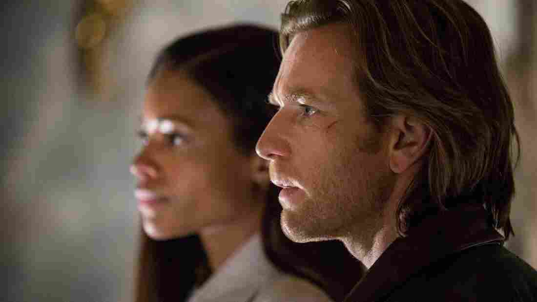 Gail Perkins (Naomie Harris) and Perry Makepeace (Ewan McGregor) in Our Kind Of Traitor.