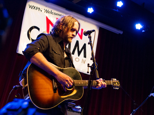 Hayes Carll performs live at WXPN's Non-COMMvention in Philadelphia.