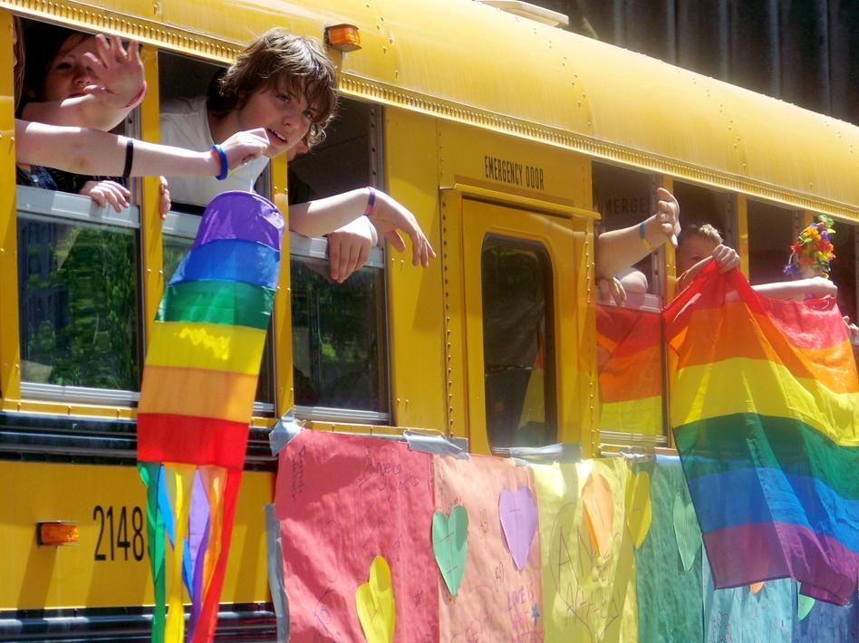 Gay-straight alliance school bus at Seattle Pride, 2008. (Flickr user jglsongs/Flickr Creative Commons)
