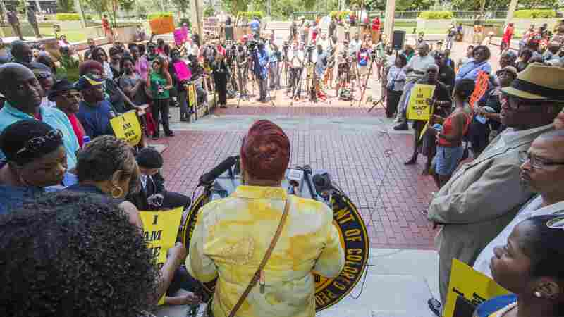 Baton Rouge Civil Rights Leaders Fashion A Model Response To Police Shootings