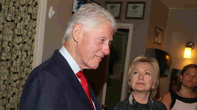 "NEW YORK, NY - JULY 02: (L-R) Bill Clinton, Hillary Clinton and Lin Manuel Miranda chat backstage at the hit musical ""Hamilton"" on Broadway."