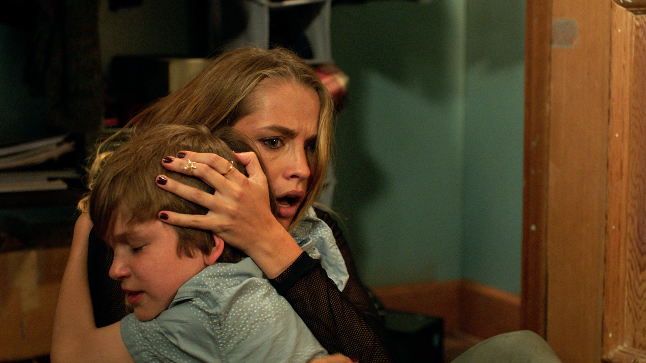 'Lights Out': A Scary Swedish Short Spawns A Summer Hit