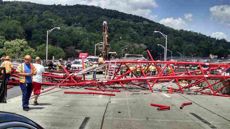 Crane Collapses On Tappan Zee Bridge In New York, Injuring 5