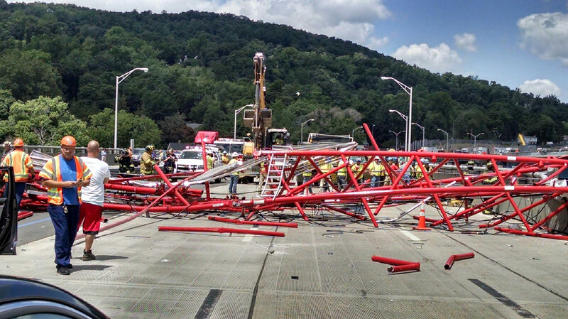 Crane Collapses On Tappan Zee Bridge In New York, Injuring 5 : The