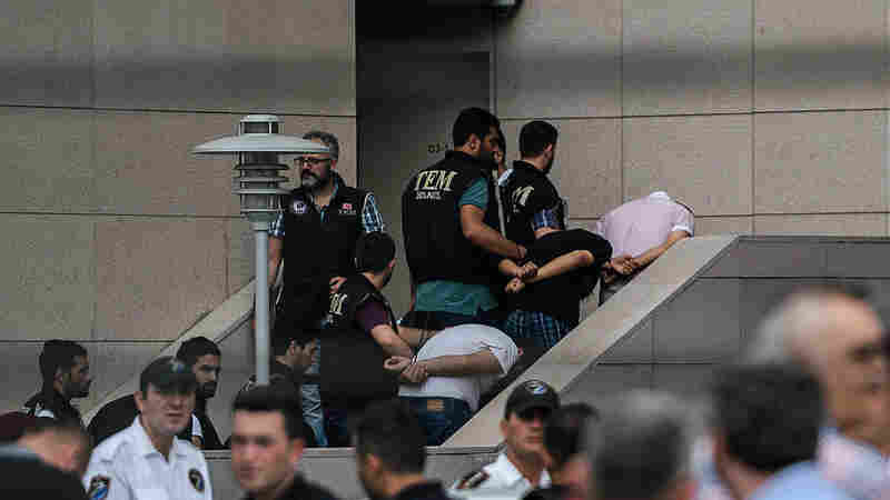Amnesty International: After Turkey's Failed Coup, Some Detainees Are Tortured, Raped