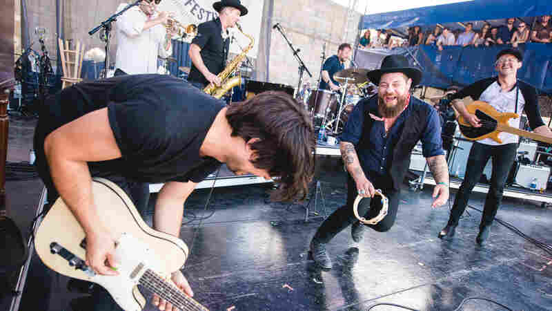 Nathaniel Rateliff & The Night Sweats, Live In Concert: Newport Folk 2016