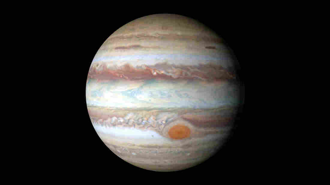 Jupiter's Great Red 'Hot Spot' may explain atmospheric mystery