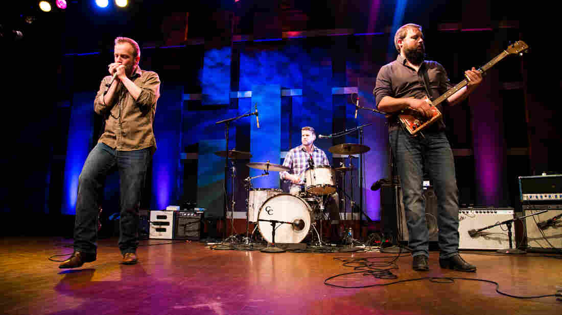 Moreland & Arbuckle perform at World Cafe Live in Philadelphia.