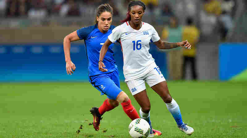 U.S. Women Edge France, Passing A Tough Test In Olympic Soccer