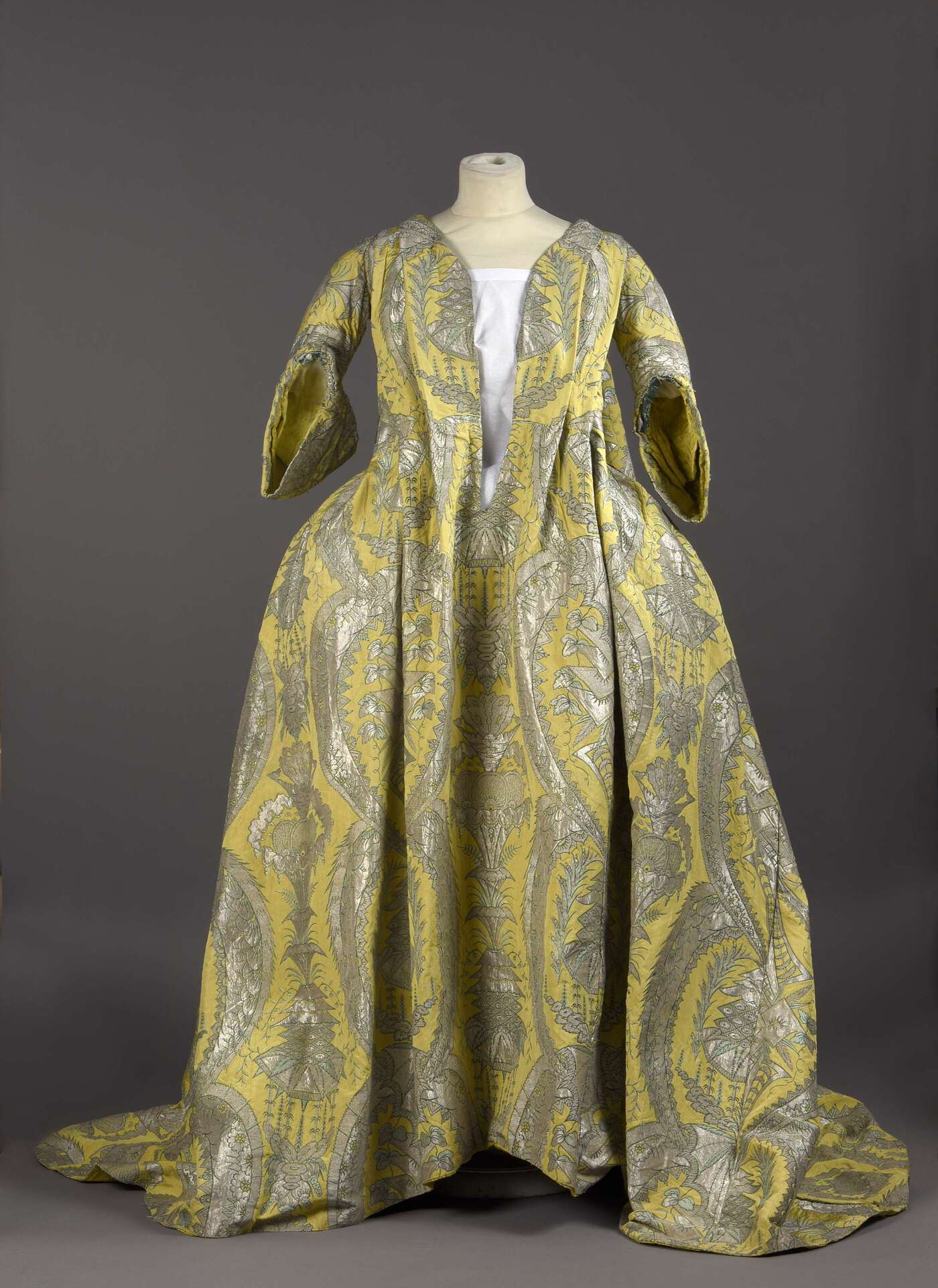 Vive Le Confort For Corseted Courtiers This Dress Was A