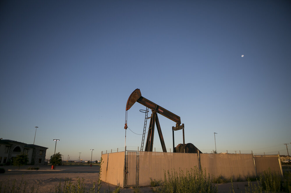 texas townu0027s fortunes rise and fall with pump jacks and oil prices