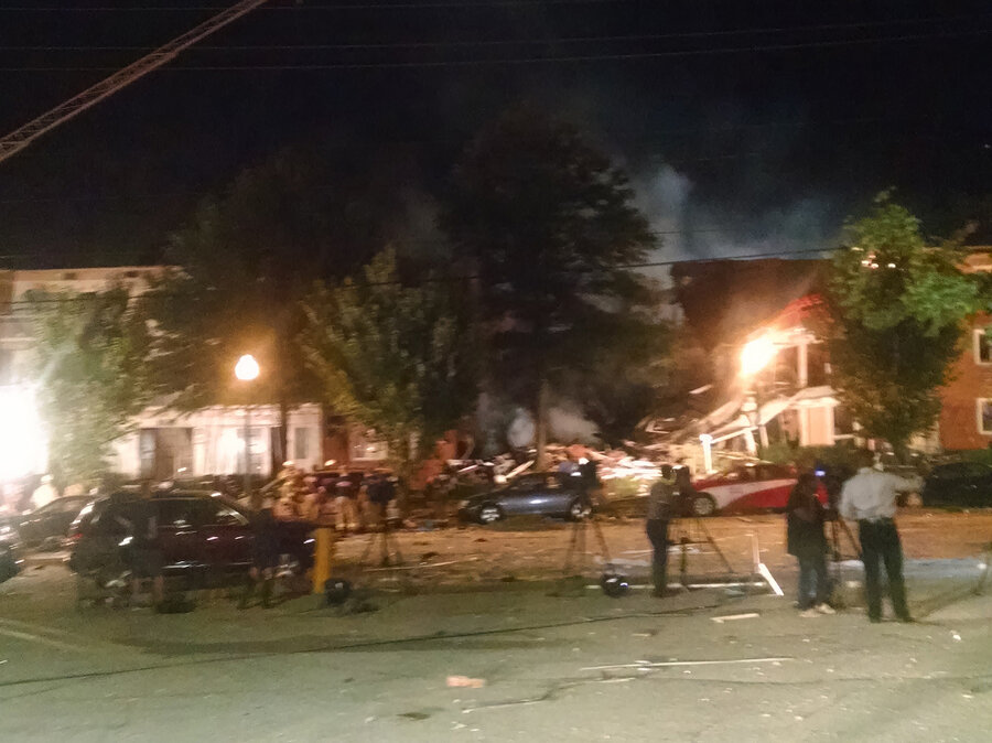 massive blast at maryland apartment complex kills at least 2 injures dozens