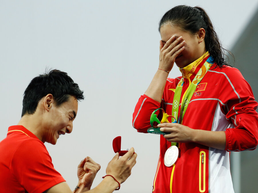 chinese divers get engaged on medals podium at rio olympics the
