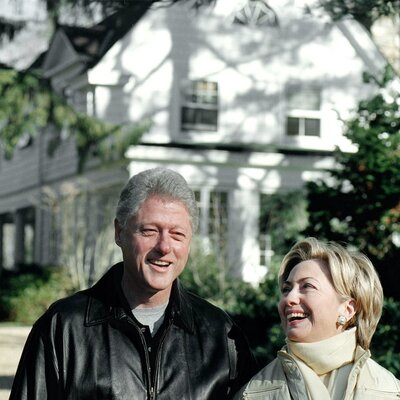 The Clintons Wrote The Book On How Politicians Climb Out Of Middle Class