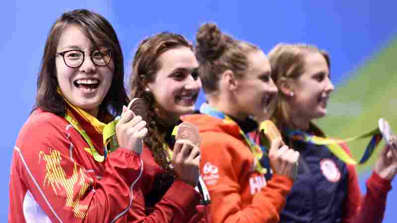 China Celebrates Bronze-Winning Olympic Swimmer's Spirit