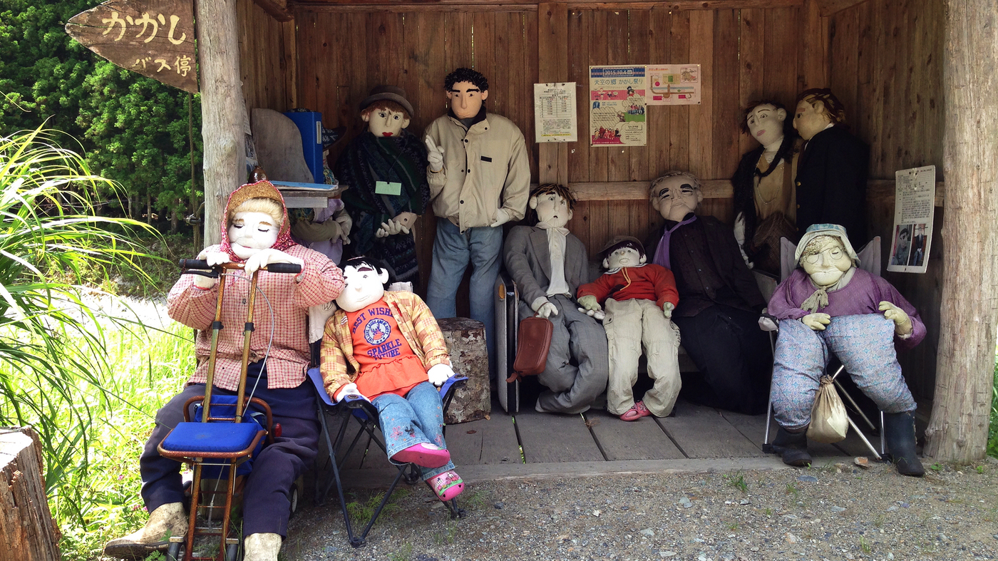 A Dying Japanese Village Brought Back To Life By Scarecrows