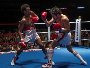 Sugar Ray Leonard (Usher Raymond) and Roberto Durán (Edgar Ramírez) duke it out in Hands of Stone.