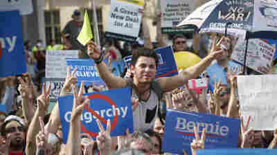 Bernie Sanders' New Political 'Revolution' Faces Bumpy Beginning