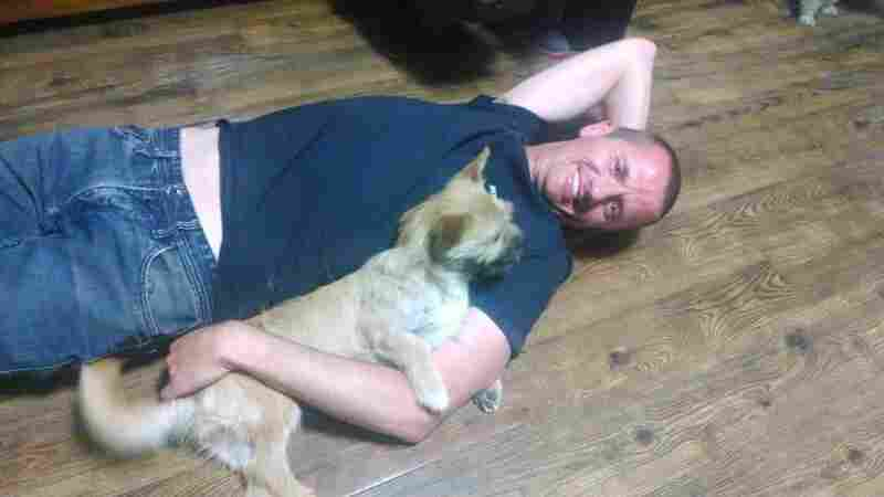 A Happy Ending For An Australian Ultramarathoner And Chinese Stray Dog