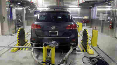 Volkswagen Has Tentative Deal To Compensate U.S. Dealers In Emissions Scandal